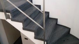 Escalera Roble Negro