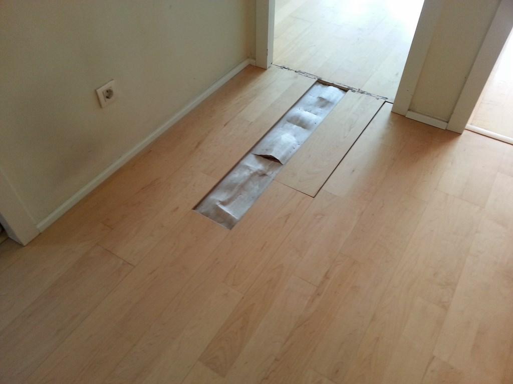 Arreglar tarima flotante manchas negras de humedad en - Como reparar piso de parquet rayado ...
